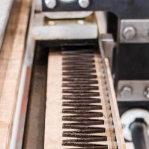Mehansko spajanje in oprema za mehansko spajanje